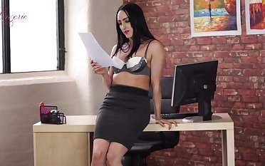 Leggy secretary Chloe Lovette is toying mouth-watering wet pussy sitting on the table