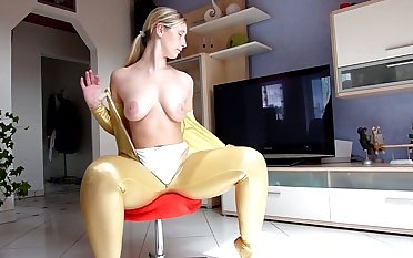 Naughty cam slut stripteases about demonstrate her awesome big rack