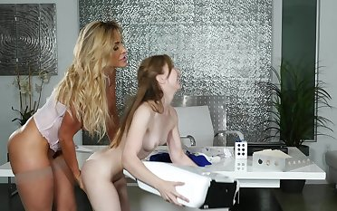 Milf boss goes down on her elegant young enchase