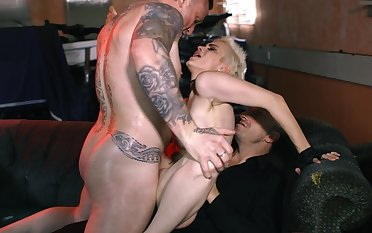 Floosie in a biker bar takes blarney from two horny guys