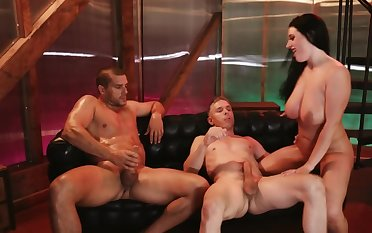 Curvy porn goddess gets a hot DP treatment