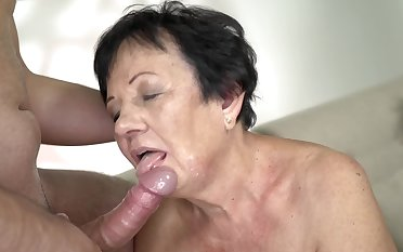 Short-haired old generalized tastes young cock once again