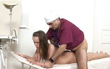 A sexy lady is getting fucked during the brush inquiry on the table