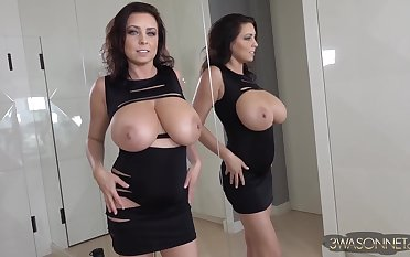 Forge looking big tits ever - Gorgeous brunette spread out Ewa Sonnet