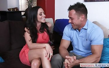 Ariella Ferrera fucking in the couch on every side her outie pussy