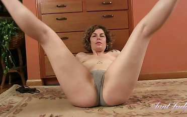 Tess Stretching, Stripping, Pussy Rubbing