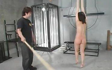 Jap slave Anna got spanked ergo hard almost piss and Humorous bibulate it