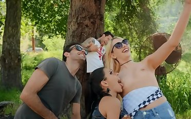 Girlfriends are observers of curious babe who is fucked in nature