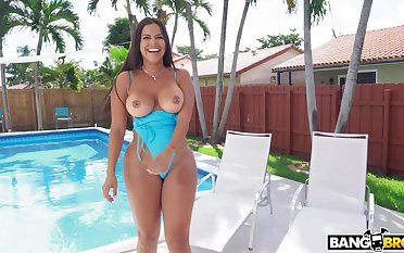 Big booty mom cheats by the come together