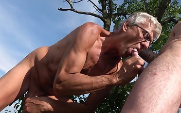 Old gay man suits his fantasy with a fresh cock