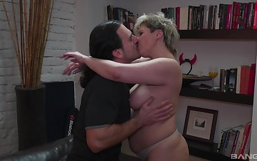 Spectacular nude fucking with his big ass mature aunt