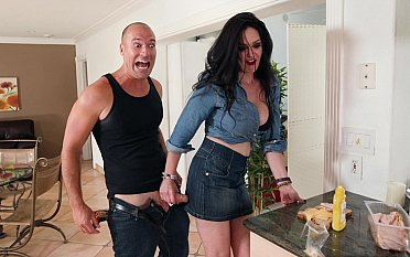 MILF seducing a horny worker