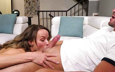 Exclusive home BJ with busty Pristine Edge