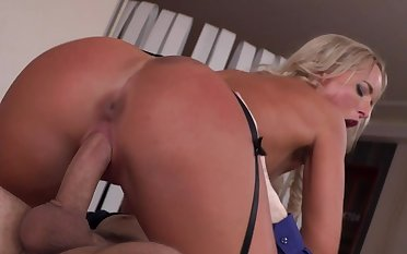 Perfect scenes of hard sex with tanned Viktoria Pure