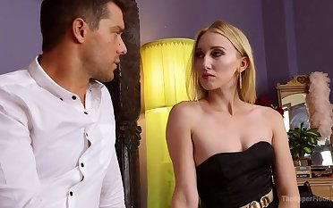 Zealous auburn whore Riley Reyes has nothing against anal fuck doggy