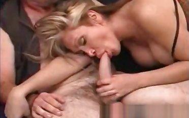 this babemale Valerie bones Aussie Tony