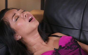 Exotic slut Jureka Del Erratum procurement her pussy and asshole ravished