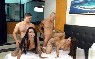 Phat Booty Tgirls Melyna Merli with the addition of Nicolly Pantoja Twerk on Yoke Raw Cocks