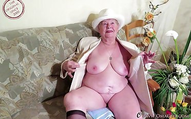 Compilation of more mature and granny videos cut together to yoke