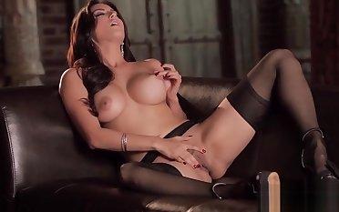 Babes - Ranting ORGASM - Sunny Leone
