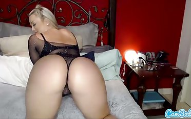 CamSoda - Alexis Texas toys less dildo and orgasms in solo